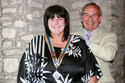 New president named as Keynsham Rotary Club hands £2,200 to charity