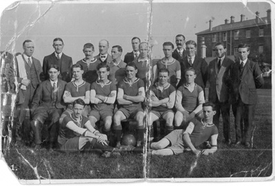 Fry's first team in 1921