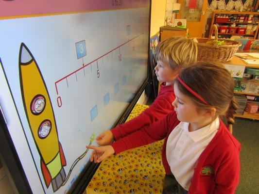 Saltford pupils have latest tech at their fingertips!