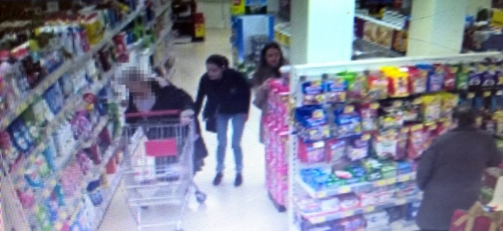 CCTV images released after elderly lady's purse stolen in Keynsham's Iceland